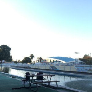 冬のプールの画像