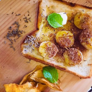 ラベンダーのトーストの画像