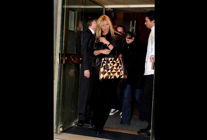 ケイト・モスも愛用、フェンディの新作バッグ「2 JOURS(トゥー ジュール)」