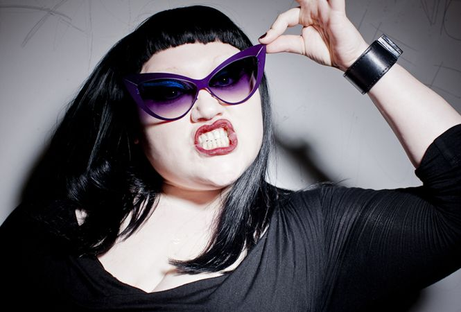 Beth DittoとMYKITAがコラボしたサングラスの発売が決定!