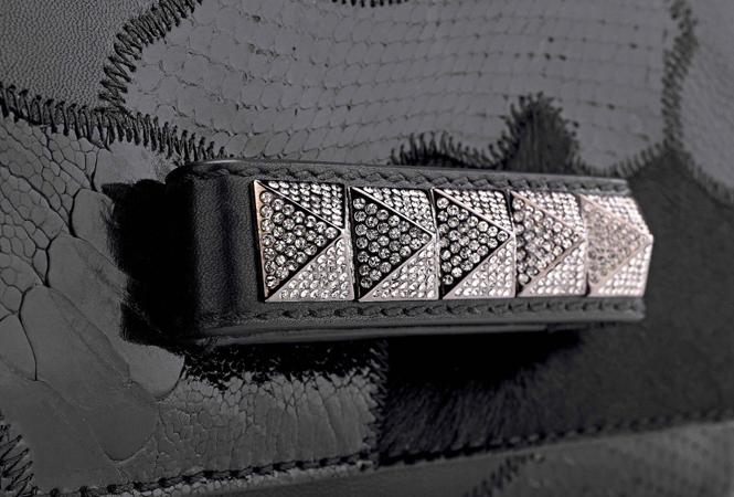 ヴァレンティノが黒一色で表現するアクセサリーのカプセルコレクション「ノワール」
