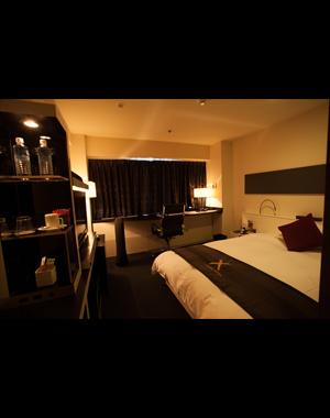 クロスホテル大阪のエグゼクティブクロスフロアツインルーム宿泊券を1名様に!