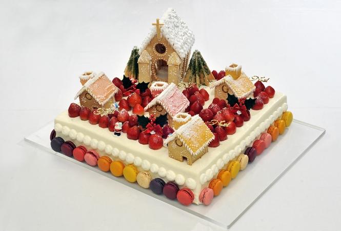 クリスマスパーティを豪華に彩るロイヤルパークホテルのケーキ