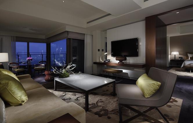 パレスホテル東京が開業1周年記念の特別メニュー&プランを実施
