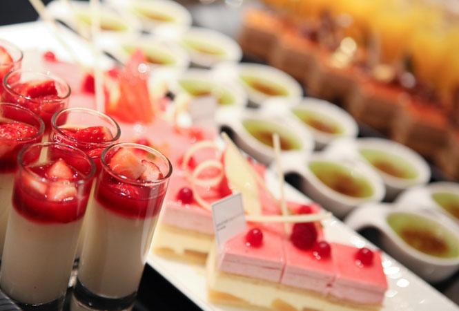 ウェスティンホテル東京「ザ・テラス」でグラン マルニエを使用した平日限定デザートブッフェを開催
