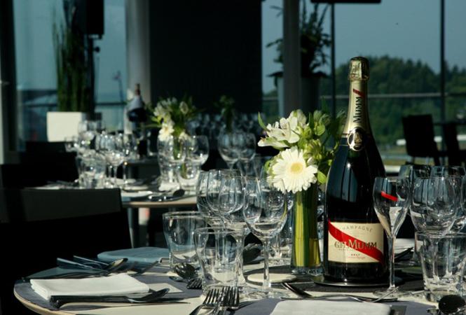 シャンパンのある暮らしを... ニューボトルに生まれ変わった『G.H. マム』の魅力