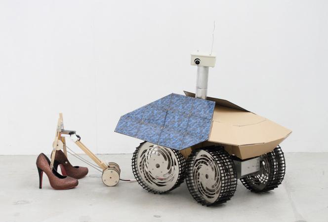 東京都現代美術館の「うさぎスマッシュ展」にてスプツニ子!が新作発表