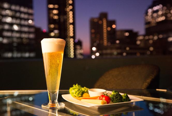 スパークリングワインも飲み放題! ヒルトン東京のビアガーデンが6月よりOPEN