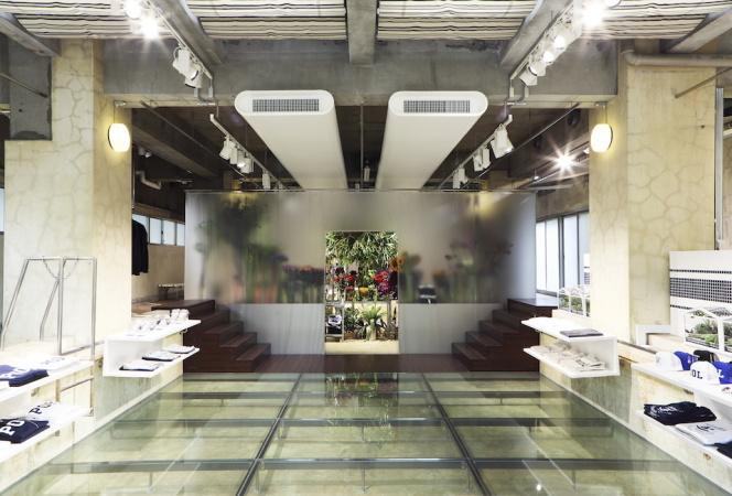フラワーアーティスト・東信率いる「AMKK」の花屋が期間限定オープン