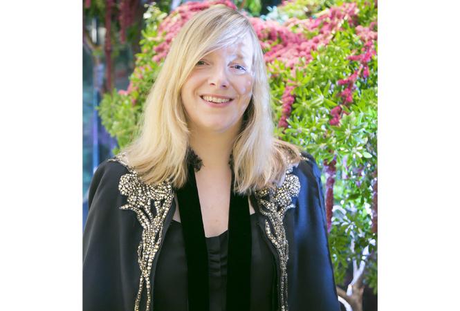 クリエイティブ・ディレクター サラ・バートンが語る アレキサンダー・マックイーン青山店オープン