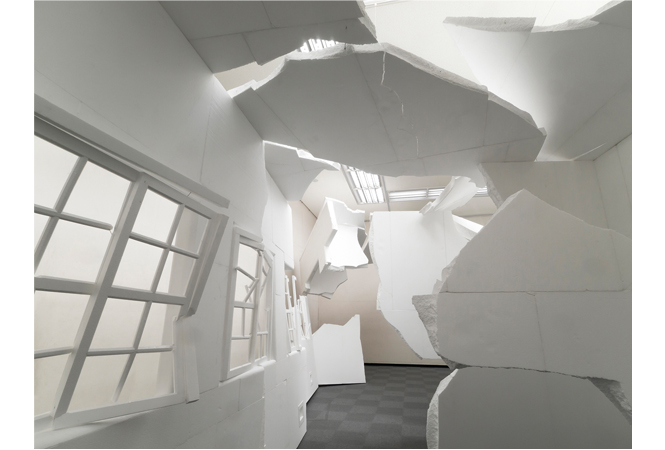 来場者も作品世界の一部に?!エスパス ルイ・ヴィトンでオープンアトリエの展覧会を開催