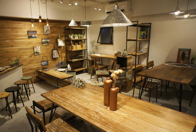 廃材を使った手作りの家具ブランド「グリーム」が直営店をオープン