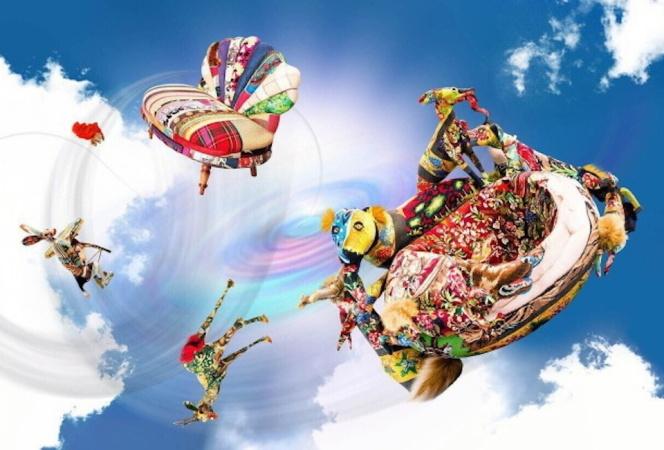 トーヨーキッチンスタイルの展覧会「妖しのインテリア」がスパイラルガーデンで開催