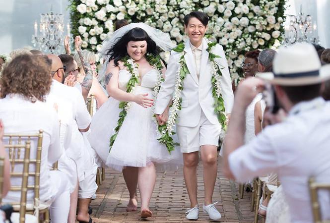 ベス・ディットー、大晦日に正式同性婚!