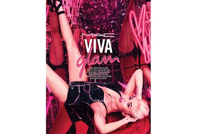 M•A•CのVIVA GLAMはマイリー サイラスのホット ピンク!