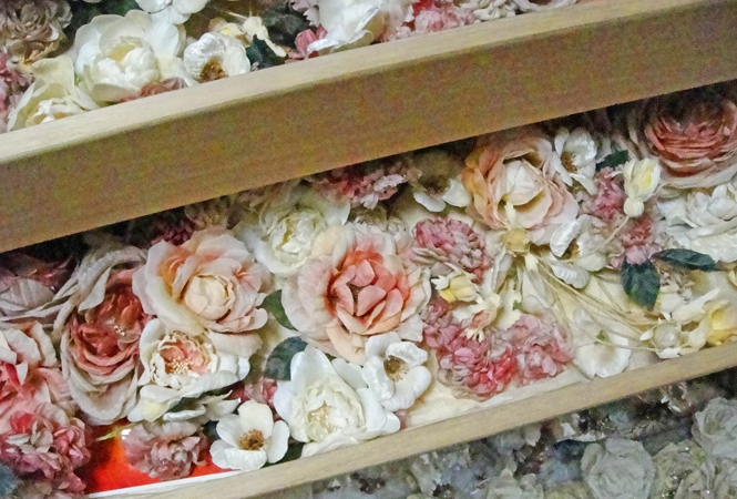 世界で一つだけのフラワーコサージュを。PASS THE BATONでアトリエ染花の企画展を開催