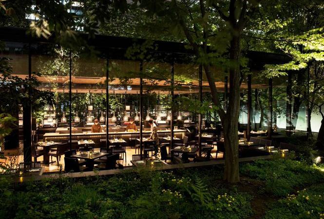 緑深い洗練の空間。アマン東京が大手町の森にカフェをオープン