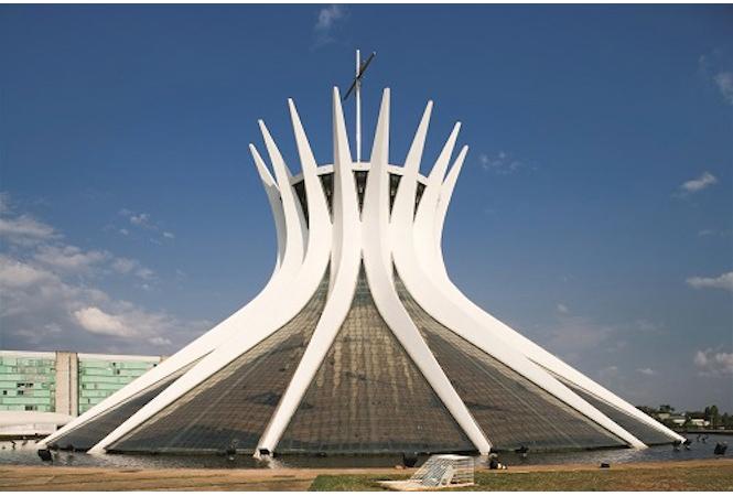 世界遺産をつくり上げた男、建築家オスカー・ニーマイヤーの大回顧展が都現美で開催。