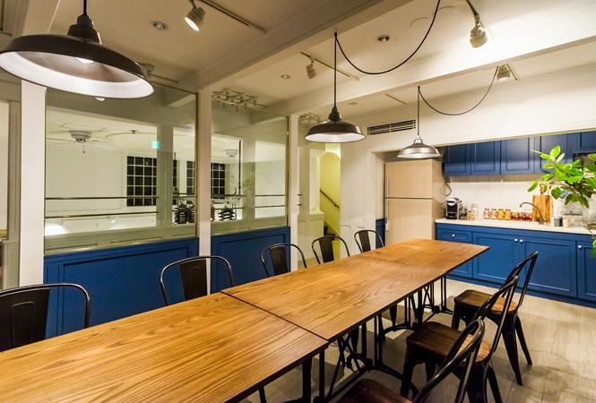海外のアパートメントのようなおしゃれな空間。表参道に新しい多目的スペースがオープン。