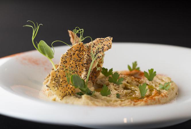 フランスが誇る食とシャンパーニュの華麗なる競演。ヴーヴ・クリコ×ジョエル・ロブションの限定ポップアップラウンジがオープン