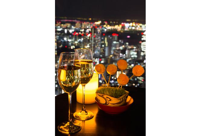 最高の眺めと料理で今年一年を締めくくるアンダーズ 東京のニューイヤーズイブプラン