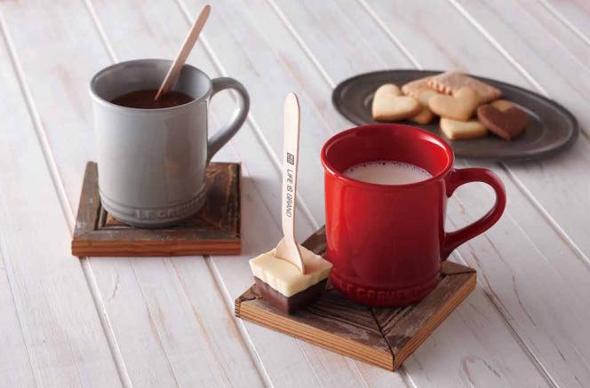 ル・クルーゼがマグカップとホットチョコスプーンのセットを日本限定発売