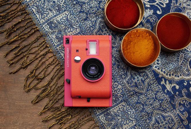ロモグラフィーの人気カメラにローズカラーのバレンタインエディションが登場!
