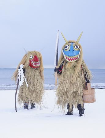 『YÔKAÏNOSHIMA』シリーズより、『Namahage』Ashizawa, Oga, Akita prefecture (Japan), 2013-2015 © Charles Freger