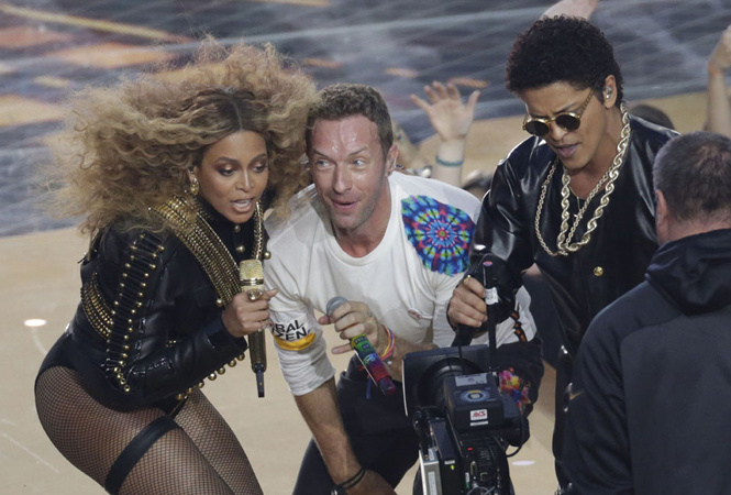 Beyonce, Chris Martin and Bruno Mars at Super Bowl 50