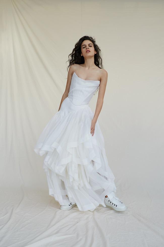 Bridal_SS17_MadeToOrder_06A_TheDelicateCorset&PrincessSkirt (2)