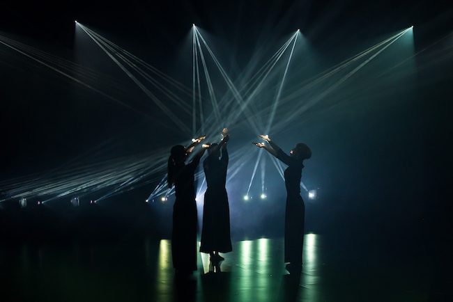 『Rhizomatiks Reserach x ELEVENPLAY Dance Installation at Gallery AaMo』