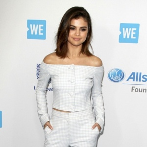 164420, Selena Gomez   at WE Day California in Los Angeles. Los Angeles, California - Thursday April 27, 2017. Photograph: © PacificCoastNews. Los Angeles Office (PCN): +1 310.822.0419 UK Office (Photoshot): +44 (0) 20 7421 6000 sales@pacificcoastnews.com FEE MUST BE AGREED PRIOR TO USAGE
