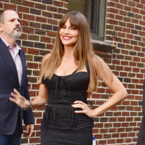 170569, Sofia Vergara arrives for her appearance on The Late Show With Stephen Colbert in a pair of precarious wedge shoes and leaves in a stunning figure-hugging black dress. New York City, New York - Tuesday September 26, 2017 in NYC.©Darla Khazei Photograph: © Darla Khazei, PacificCoastNews. Los Angeles Office (PCN): +1 310.822.0419 UK Office (Avalon): +44 (0) 20 7421 6000