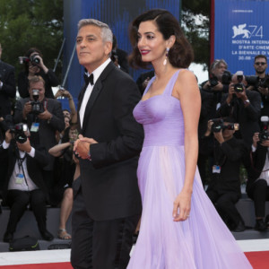George Clooney and Amal Clooney attend the premiere of 'Suburbicon' during the 74th Venice Film Festival at Palazzo del Cinema in Venice, Italy, on 02 September 2017. Photo: BANG MEDIA INTERNATIONAL FAMOUS PICTURES 28 HOLMES ROAD LONDON NW5 3AB UNITED KINGDOM tel +44 (0) 20 7485 1500 e-mail pictures@famous.uk.com www.famous.uk.com HB00362