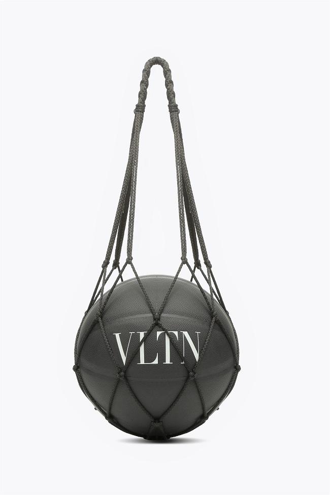 VALENTINO,VLTNTokyo,2018 Resort Collection,
