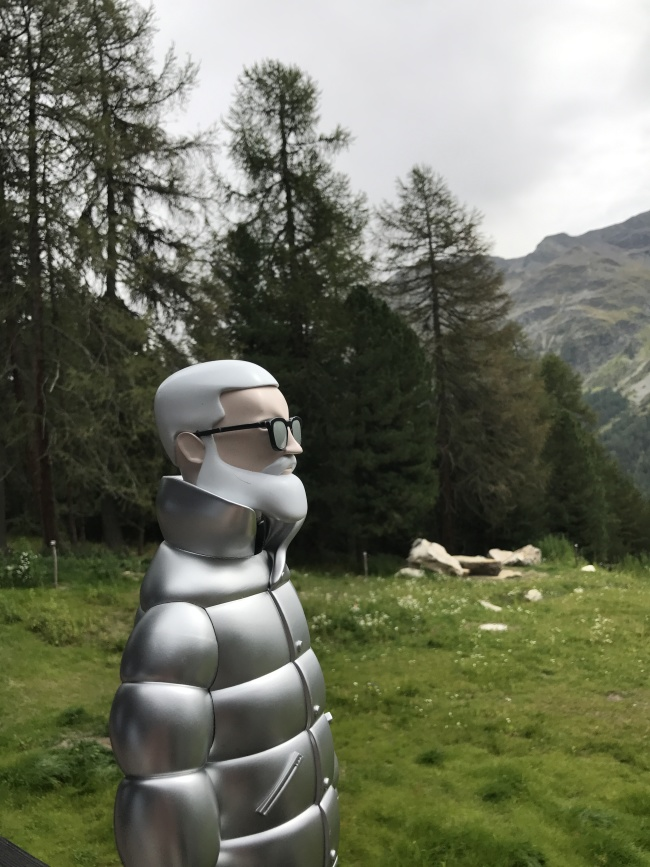 MONCLER DESTINATION HK_MR MONCLER IN ST. MORITZ (1)
