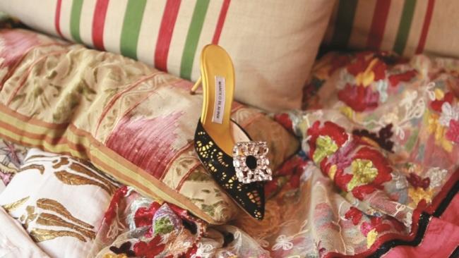 No. 202 Manolo Black Yellow shoe