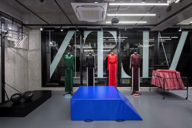 TOKYO - Valentino VLTN Pop Up Store (21)