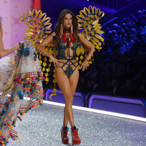 159816, Alessandra Ambrosio walks the runway during the 2016 Victoria's Secret Fashion Show in Paris. Paris, France - Wednesday November 30. FRANCE OUT Photograph: © Ralph, PacificCoastNews. Los Angeles Office (PCN): +1 310.822.0419 UK Office (Photoshot): +44 (0) 20 7421 6000