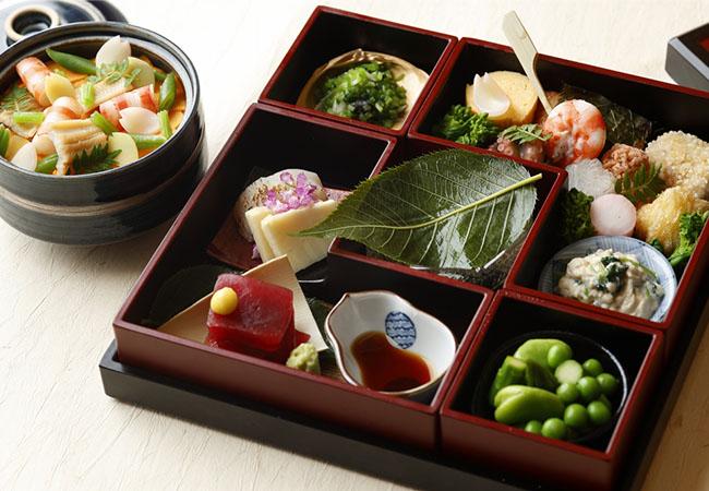 花見弁当「麗 -HARUKA-」 ¥6,500 ※4月15日まで