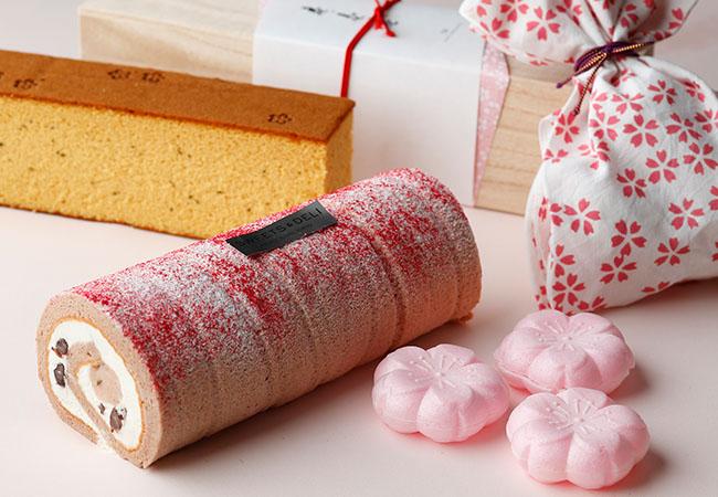 「ルーレ・オゥ・桜」1個¥550/1本¥3,300、「さくらくらんち」¥270、「壱ノ壱ノ壱 桜」¥3,400