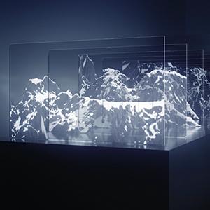 『RENDER』(2018年)透明有機ELディスプレイ20枚を重ね、光や映像の相互作用を体感させる大型の新作(完成予想図)
