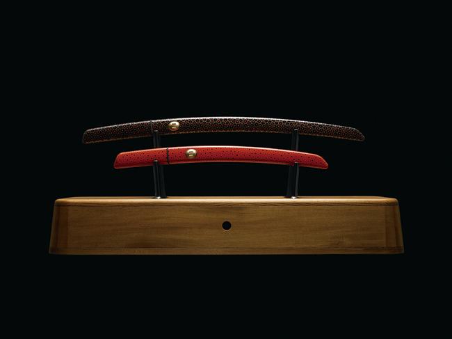 『aikuchi』(2015年)マーク・ニューソンと東北の刀匠「法華三郎」による現代日本刀