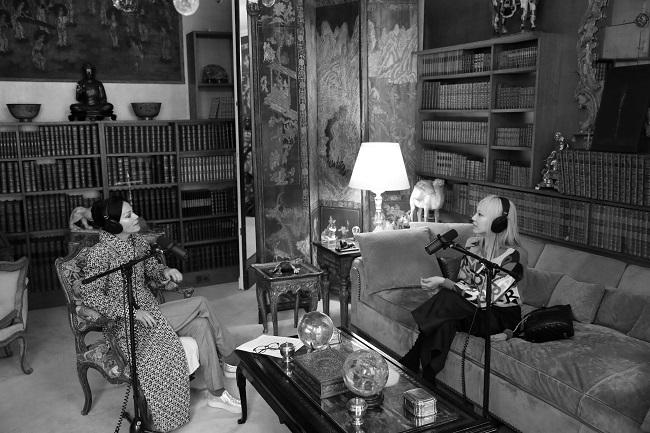 ガブリエル・シャネルのアパルマンで対談するアマンダ・ハーレックとパク・スジュ