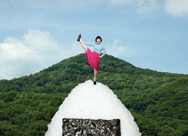 出展作家の作品より。宮崎いず美『riceball mountain』2016年 © 2016 IzumiMiyazaki