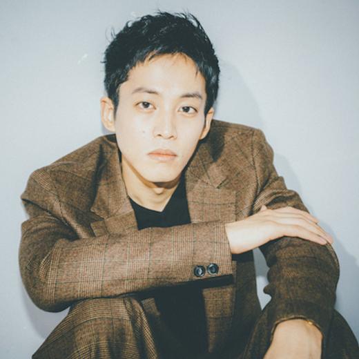 松坂桃李インタビュー「アイドルオタクの気持ちに共感します」