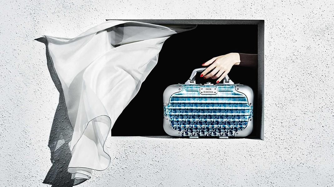 今月のファッショントピックス<br /> 「魅惑の女スパイ」