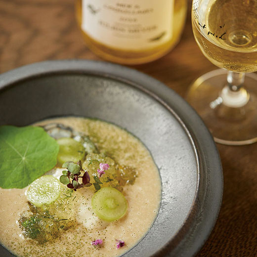 自然派ワインの作り手の哲学をひと皿の料理とともに「Organ」