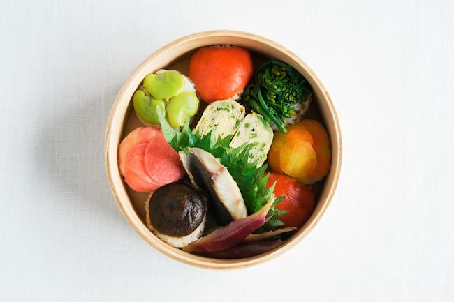 料理:大塩あゆ美,写真:平野太呂『あゆみ食堂のお弁当』(2017)