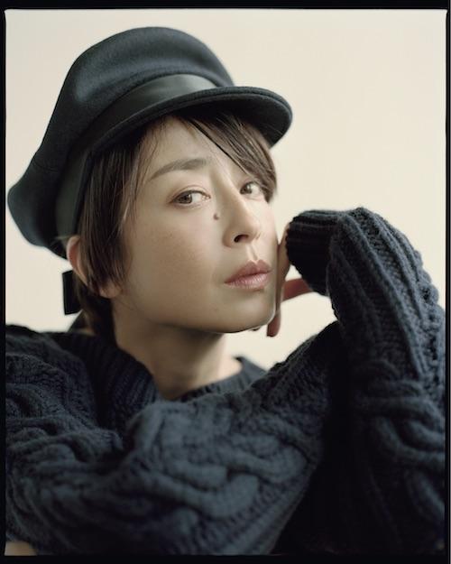 ニットドレス ¥500,000 帽子¥116,000/ともにChanel(シャネルカスタマーケア 0120-525-519)